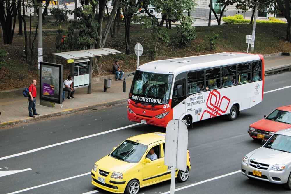 Transporte público Medellín.jpg