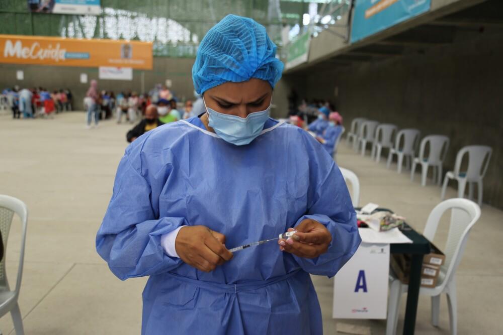 Vacunación Medellín.JPG