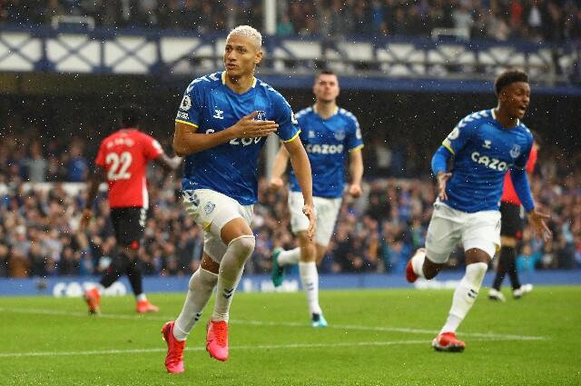 Everton derrotó al Southampton, en la Premier League