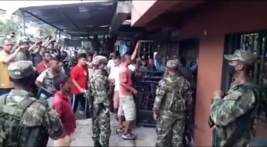 POLICÍA CAPTURADO POR ROBAR MOTO.jpeg