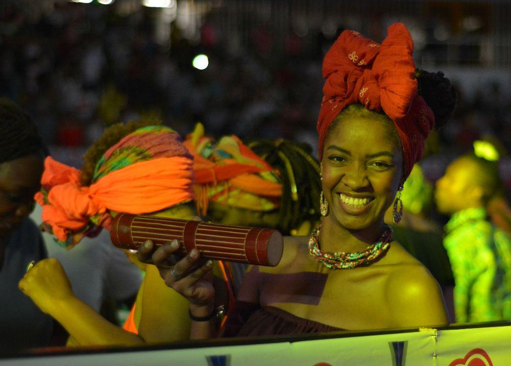 313291_La alegría de la mujer afro motivaba a los artistas Foto: Mario Baos / BLU Radio