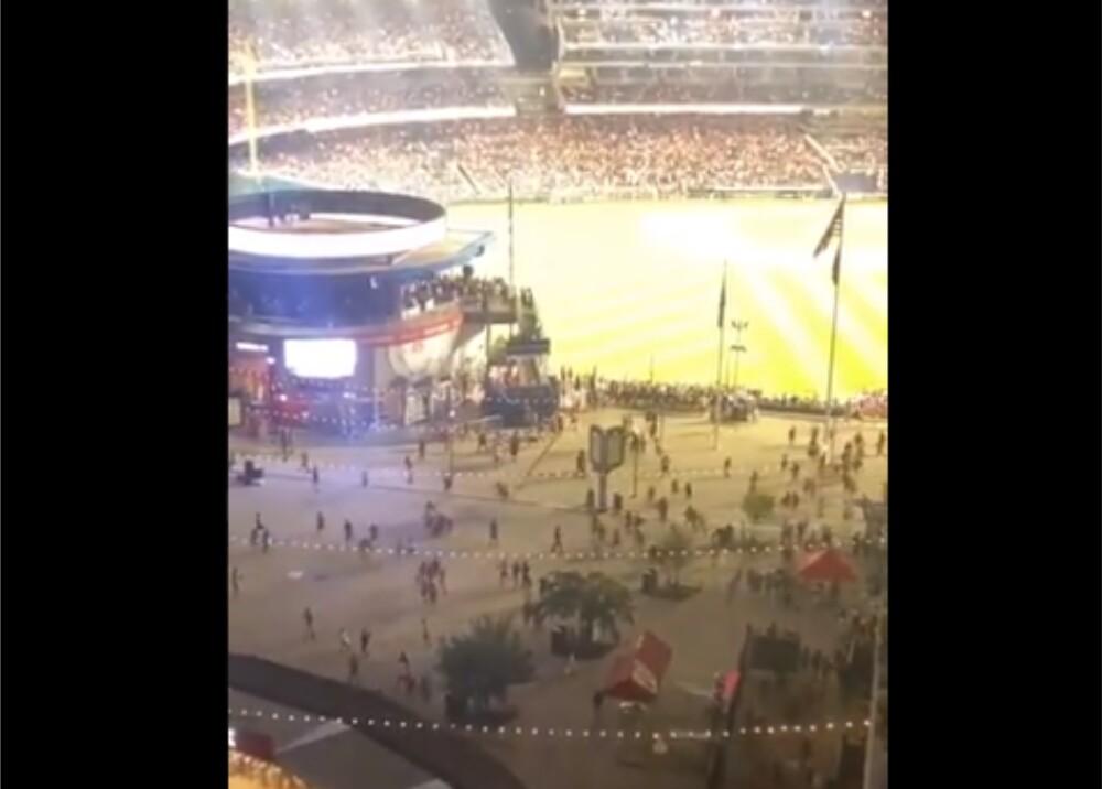Tiroteo cera a estadio en Estados Unidos Foto Captura de video.jpg
