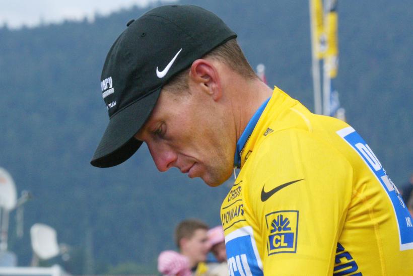 Lance Armstrong fue acusado de usar un motor en su bicicleta para ganar en siete oportunidades el Tour de Francia.