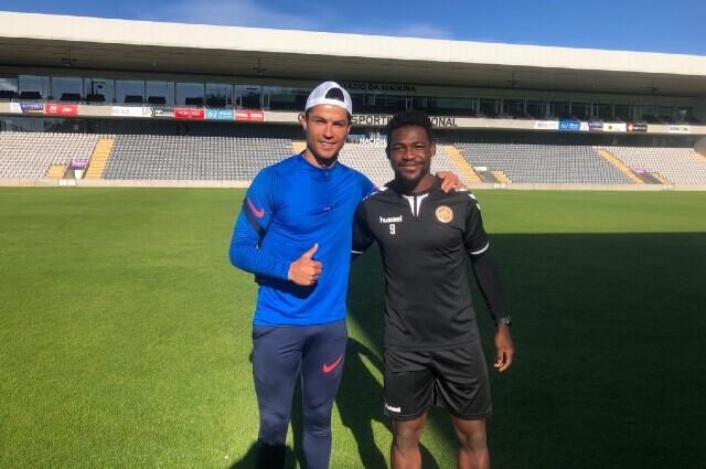 Brayan Riascos y Cristiano Ronaldo