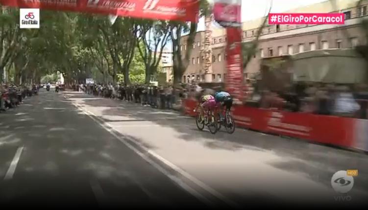 Esprint intermedio etapa 13 Giro de Italia.