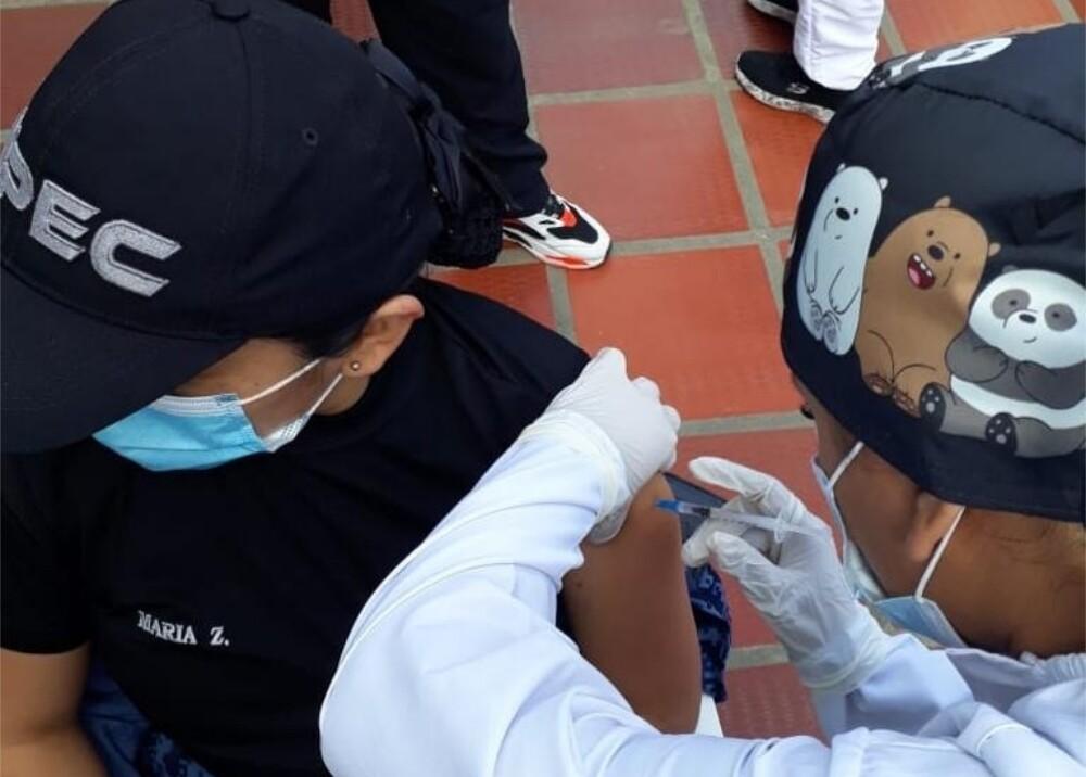 Vacunación a miembros del INPEC Foto Suministrada.jpg