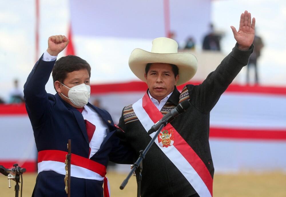 Gobierno de Perú: Guido Bellido, primer ministro, responde por comentarios  homofóbicos en el pasado