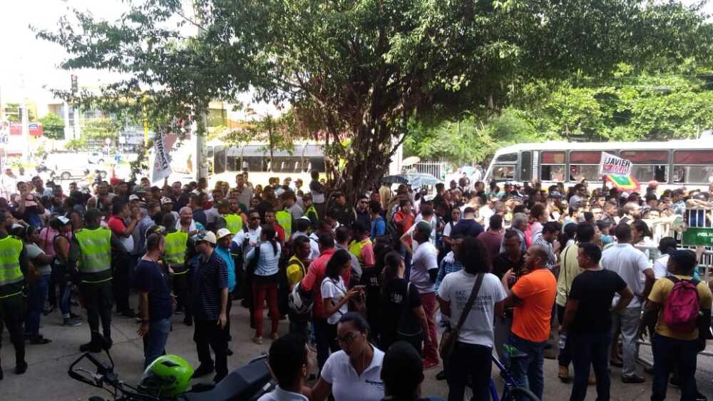 347304_BLU Radio// Manifestantes en Cartagena por resultado de elecciones. Foto: BLU Radio