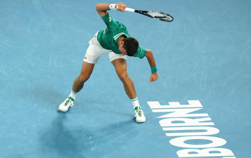 Novak Djokovic clasificó a semifinal del Abierto de Australia.