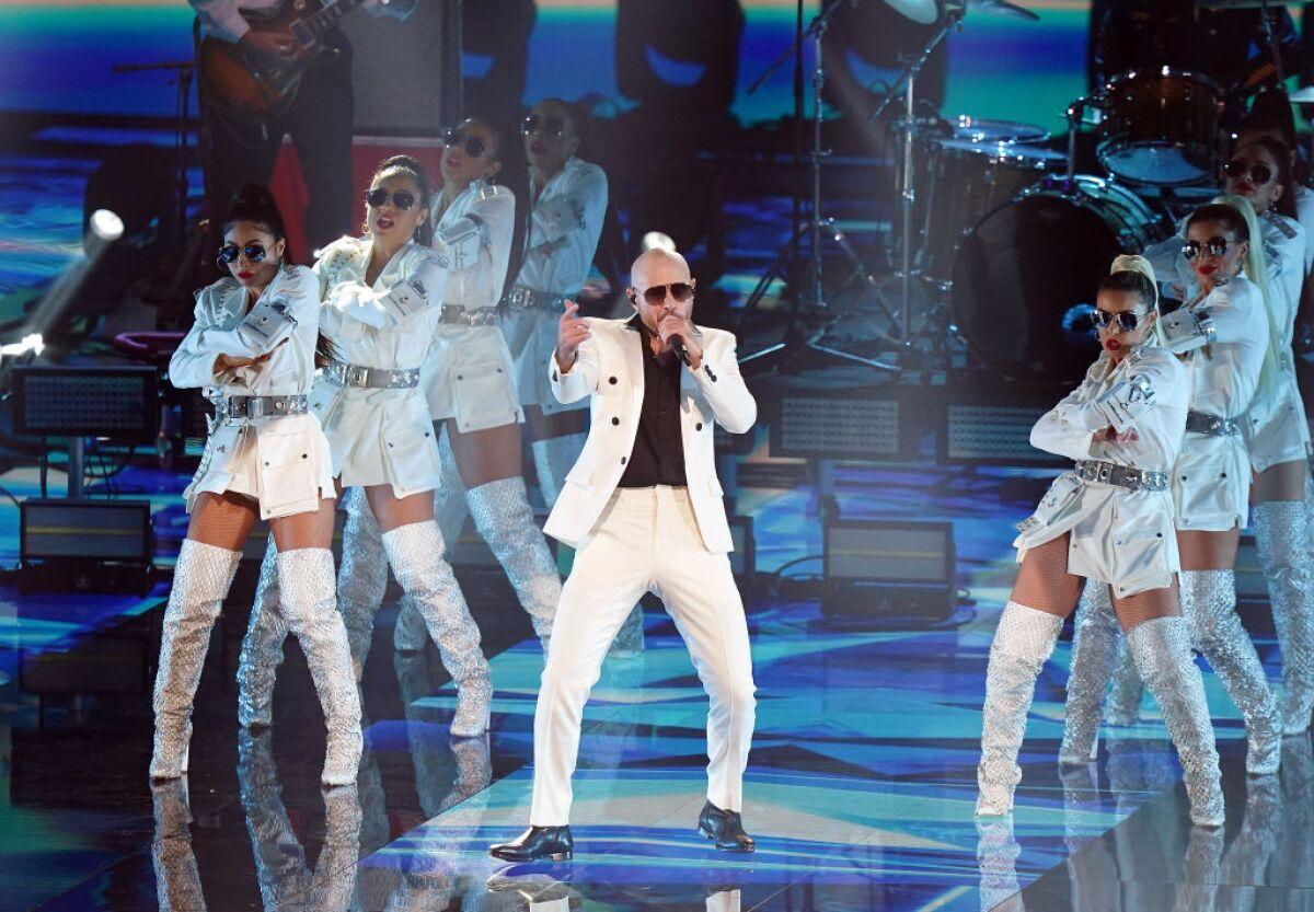 Sector salud toma protagonismo en Latin Grammy guiado por la voz de Pitbull