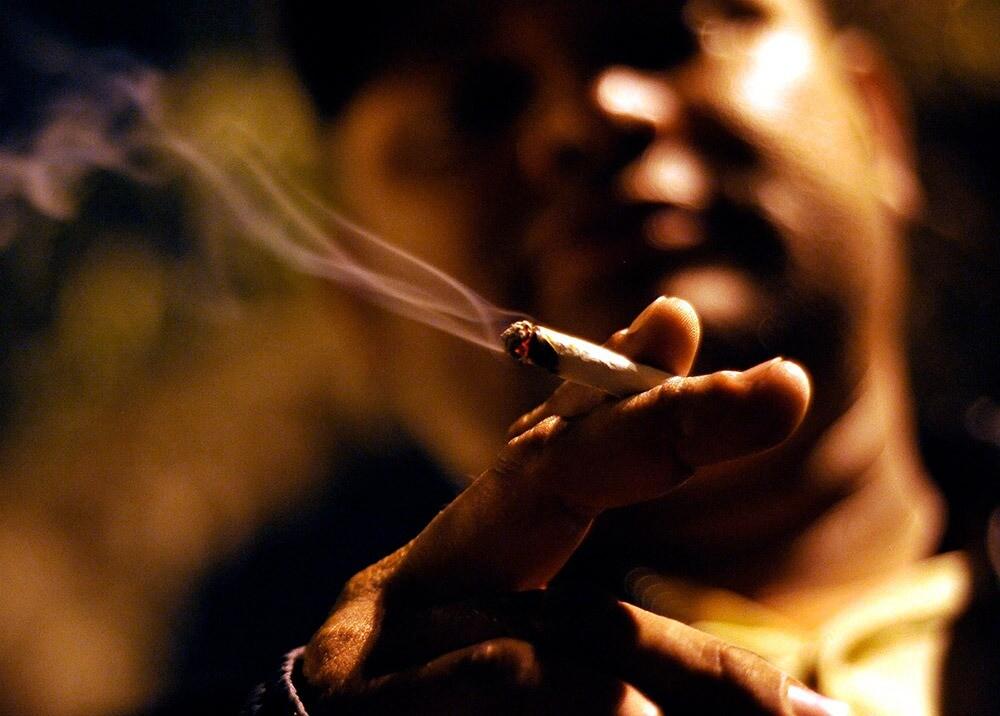 371721_Consumo de marihuana // Foto: AFP, imagen de referencia