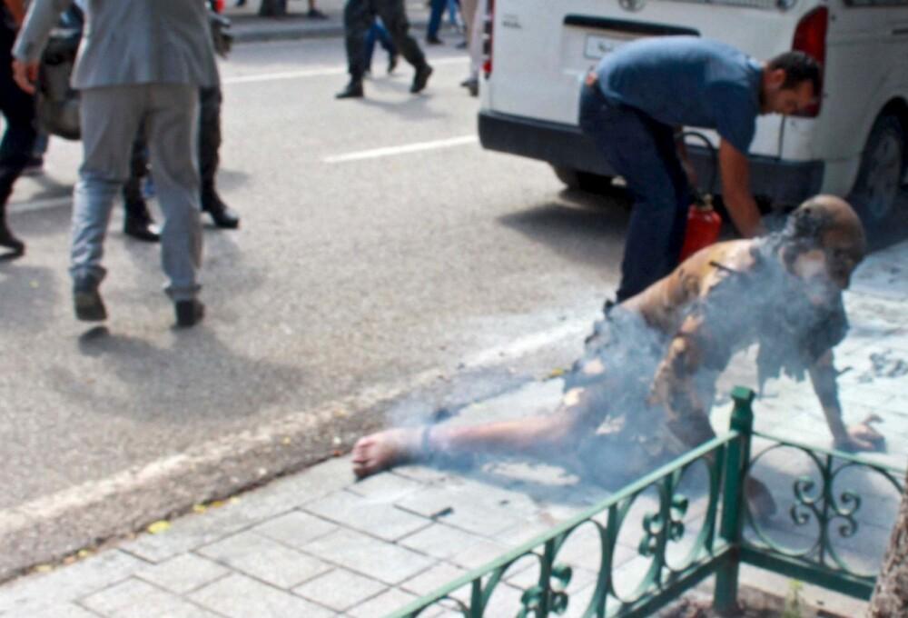 Hombre se prende fuego.jpg