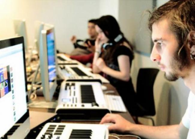287476_BLU Radio. Computadores / Foto de referencia: MinTics