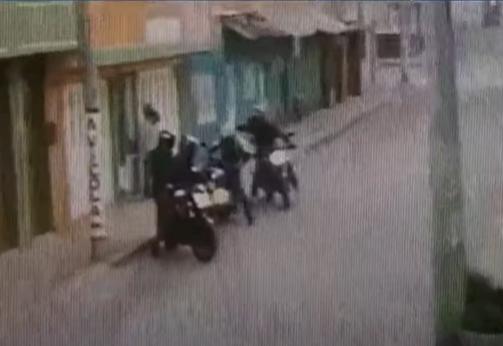 Ladrones le robaron la moto a un hombre en Soacha.PNG