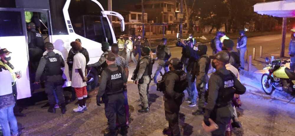 372569_Los Haitianos. Foto: Policía