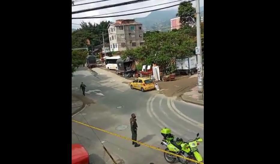 Explosivos hallados en el interior de un taxi, Medellín, Antioquia.jpeg