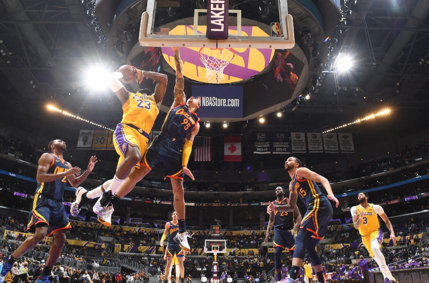 LeBron James en un juego de la NBA.