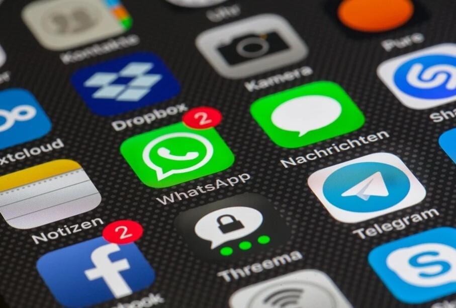 telegram se burla de whatsapp.jpg
