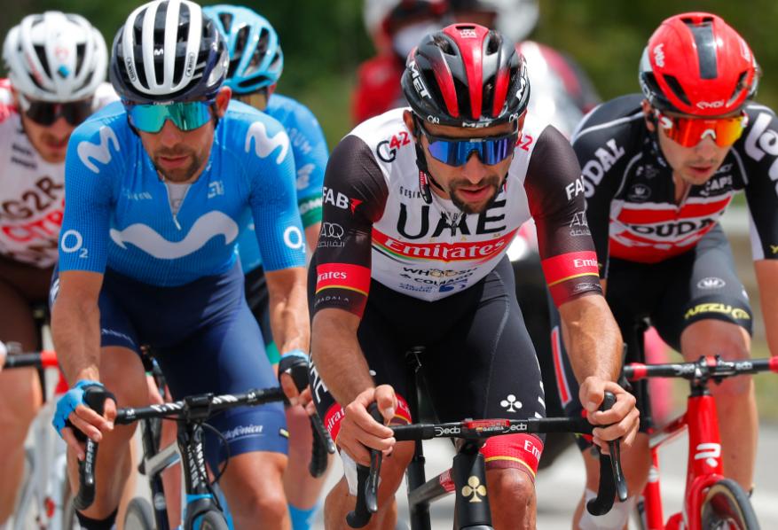 Fernando Gaviria en fuga en la etapa 8 del Giro de Italia.