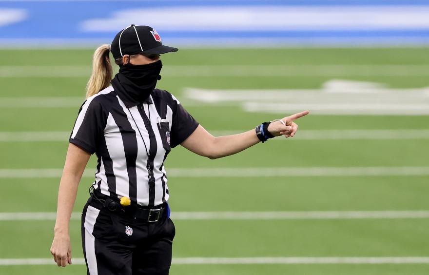 Sarah Thomas hará parte del grupo de árbitros del Super Bowl