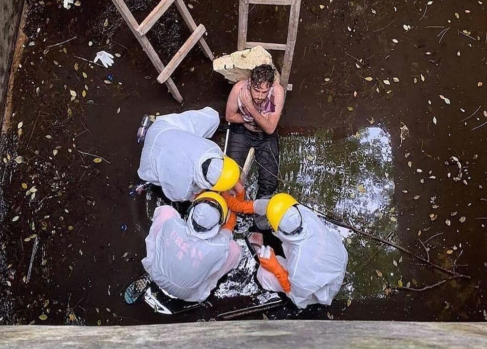 366602_Jacob Roberts siendo rescatado / Foto: AFP