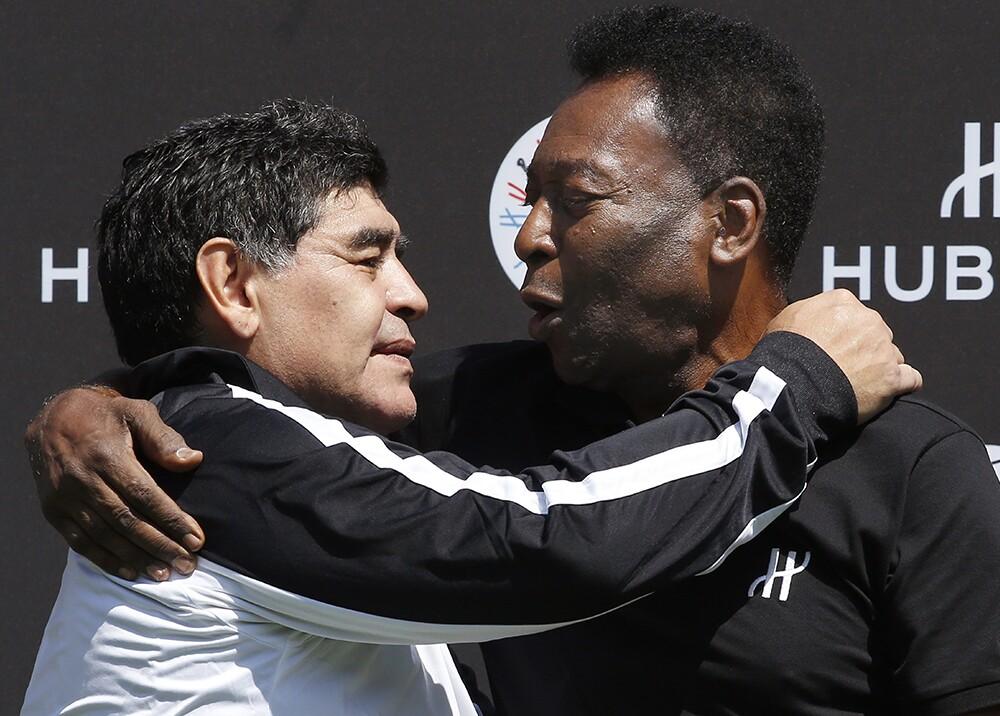 140612_Maradona y Pelé en París - Foto: AFP