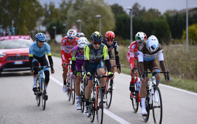 Rodrigo Contreras estuvo en la fuga de la etapa 13 del Giro de Italia 2020.