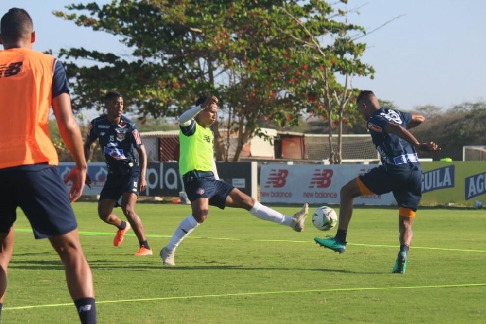 370978_BLU Radio. Entrenamientos Junior de Barranquilla. Foto referencia Twitter @JuniorClubSA