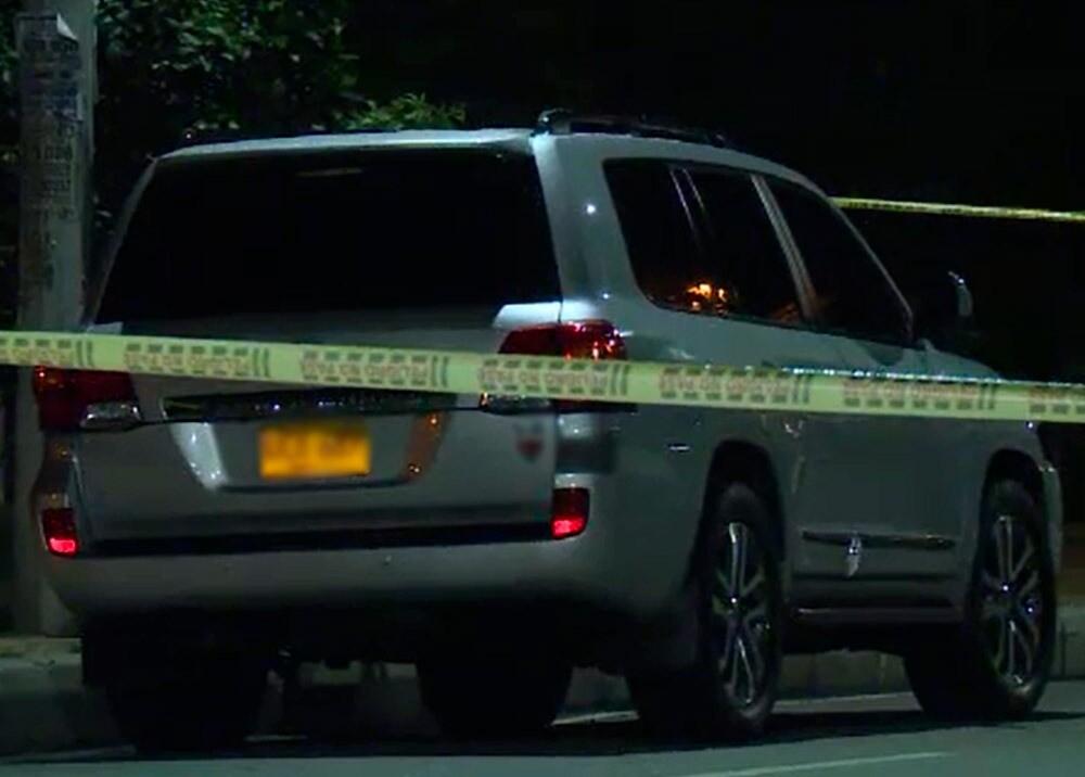 365542_Pareja muerta en una camioneta en Bogotá / Foto: cortesía Noticias Caracol