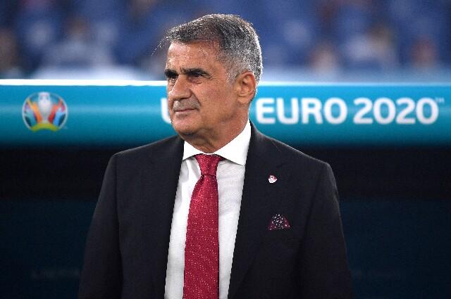 Senol Gunes, director técnico de Turquía