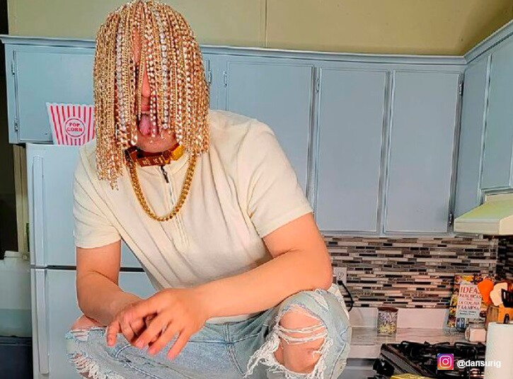 Influencer asegura que se implantó cadenas de oro en la cabeza y causa  revuelo