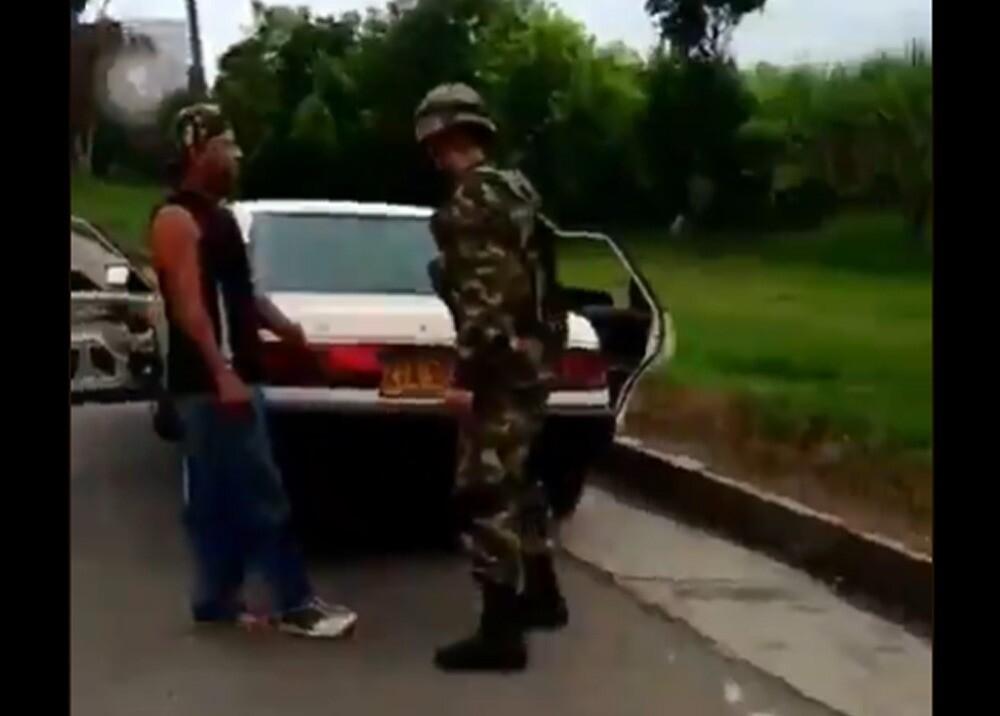 Denuncian que soldado mató a mujer en Cauca