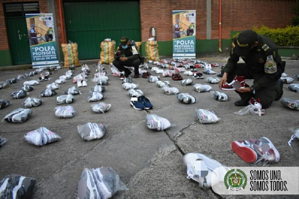 ZAPATOS INCAUTADOS-POLICÍA.jpg