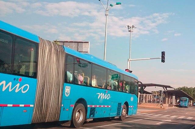 280715-mio-estacion-unidad-deportiva_0.jpg