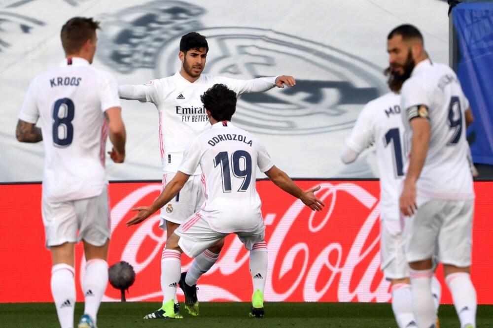 Marco Asensio, celebra con Real Madrid