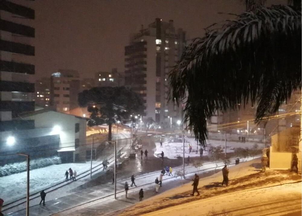 Nieve en el sur de Brasil Foto Estacion_bcp.jpg