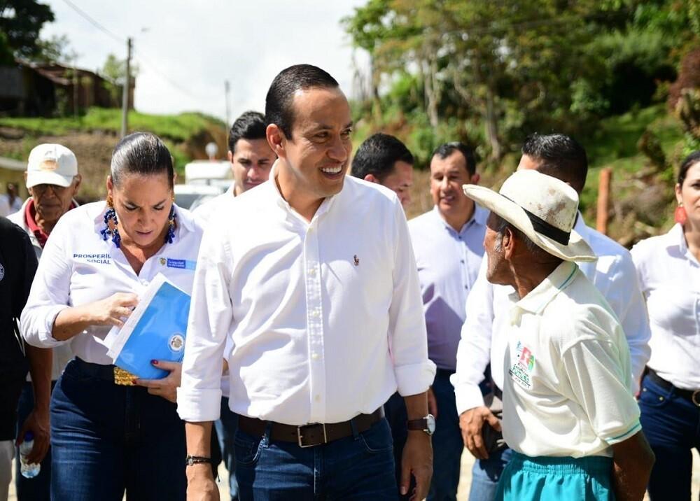 351561_BLU Radio. Mauricio Aguilar, gobernador de Santander / Foto: suministrada