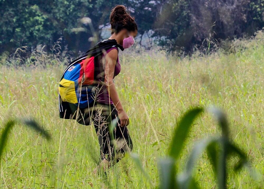374983_Paso ilegal de venezolanos hacia su país por trochas // Foto: AFP, imagen de referencia