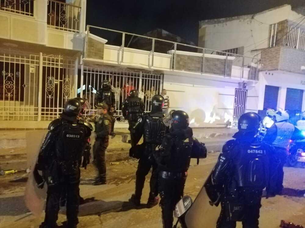 346990_BLU Radio// Esmad tuvo que intervenir en Soledad. Foto: BLU Radio
