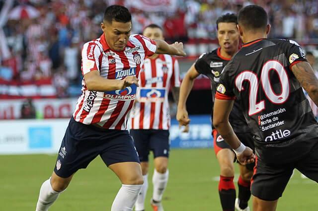 Teófilo Gutiérrez en partido oficial contra el Cúcuta deportivo
