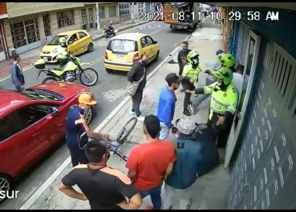 Señalado se asesinar a policía en Bogotá Foto captura de video.jpg