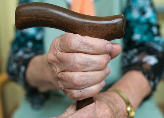 366710_Adulto Mayor // Foto: Referencia AFP