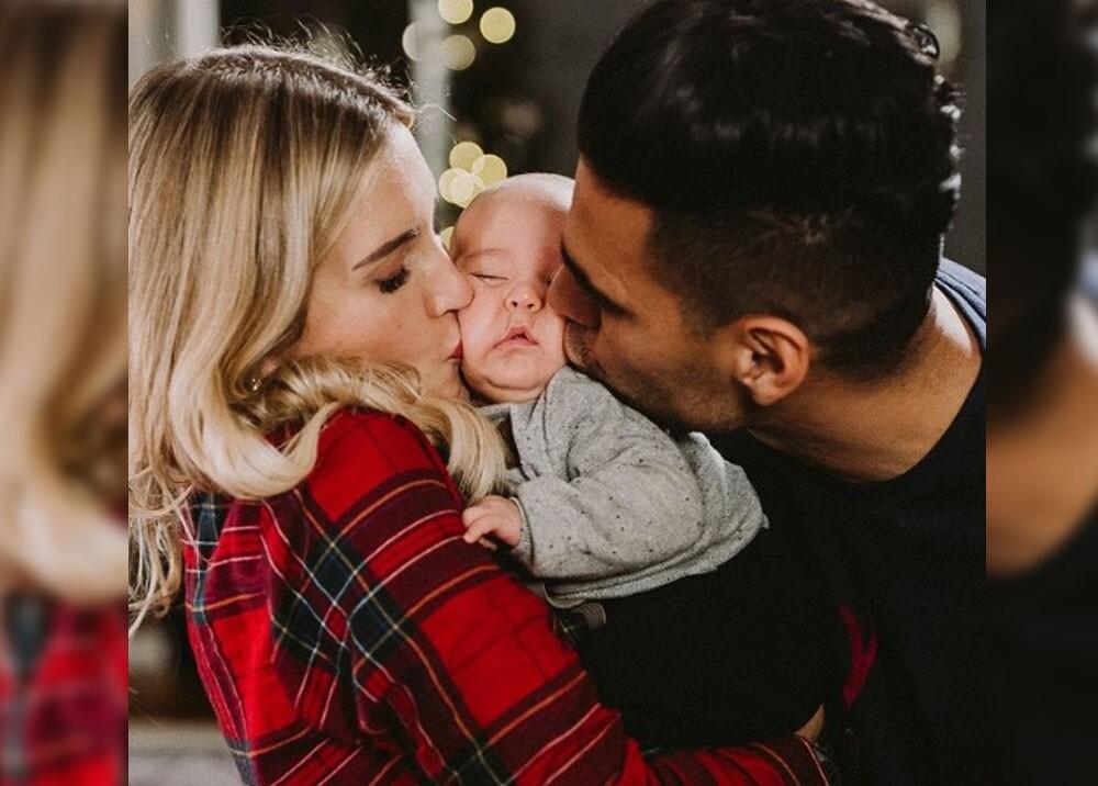falcao y su esposa con su ultimo bebe.jpg