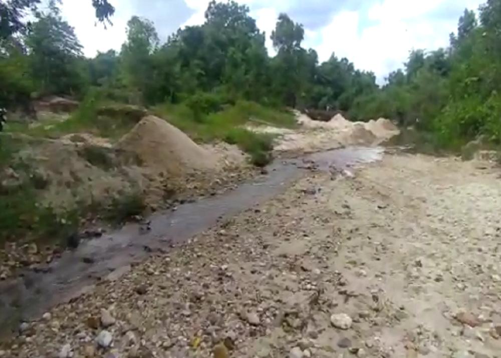 371936_Quebrada fue destruida para sacar oro / Foto: Policía