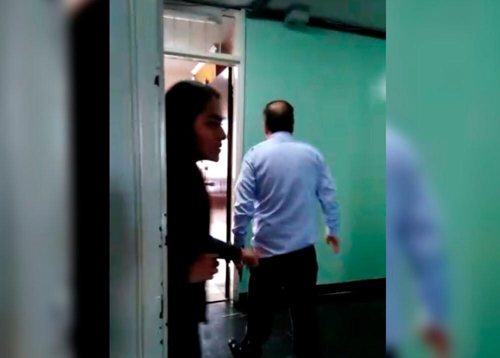 335998_BLU Radio // Golpiza a periodista por Gustavo Castro // Captura de pantalla video redes sociales