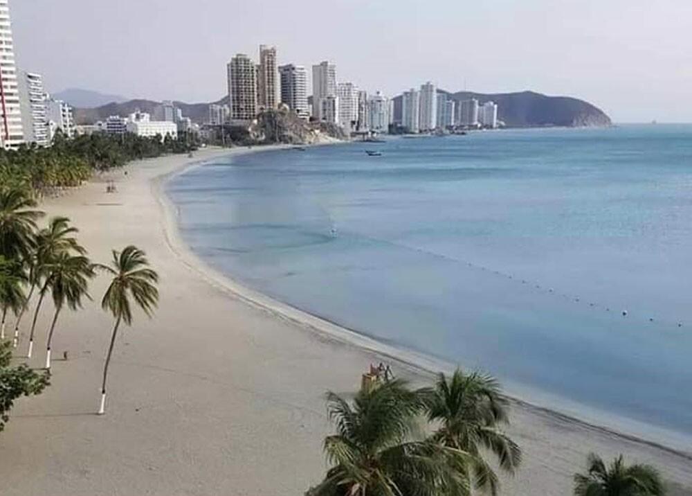 playa el rodadero de santa marta.jpg
