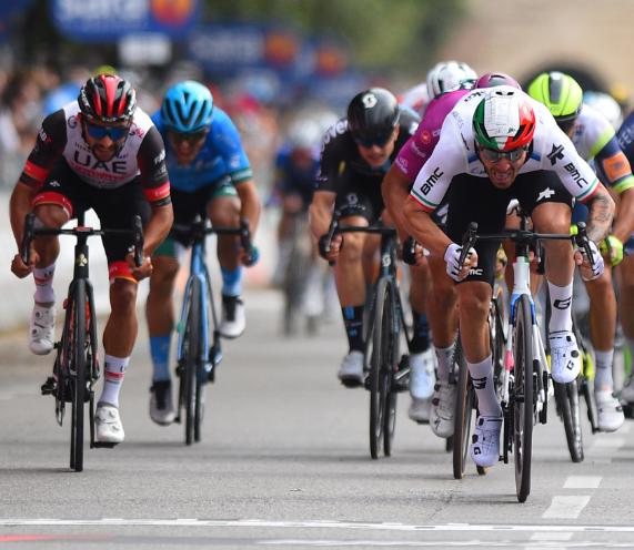 Fernando Gaviria fue quinto en la etapa 13 del Giro de Italia.