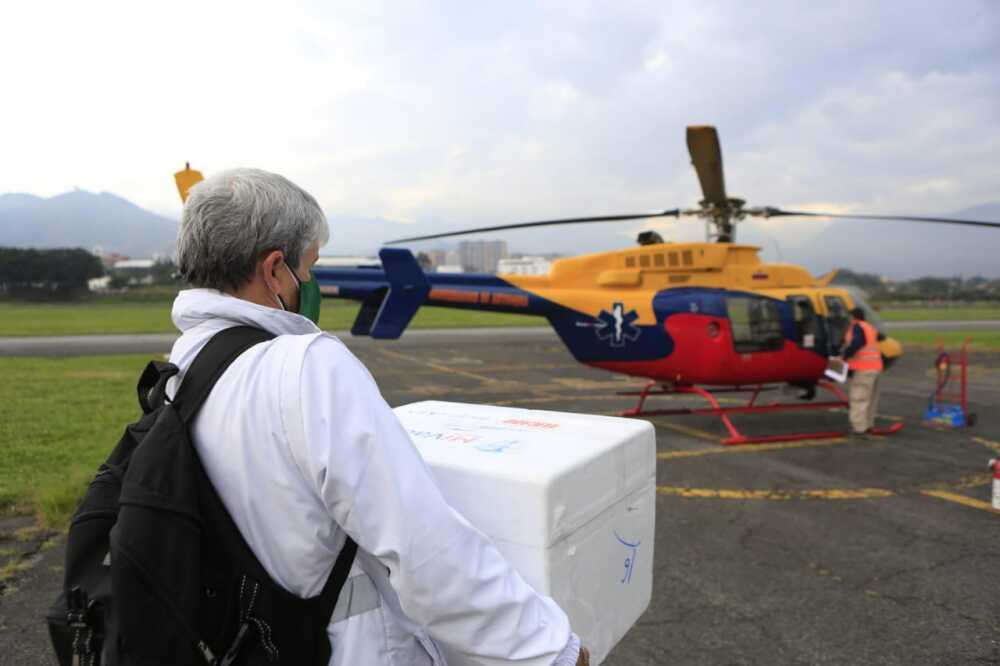 Transporte de vacunas a regiones apartadas de Antioquia.jpg