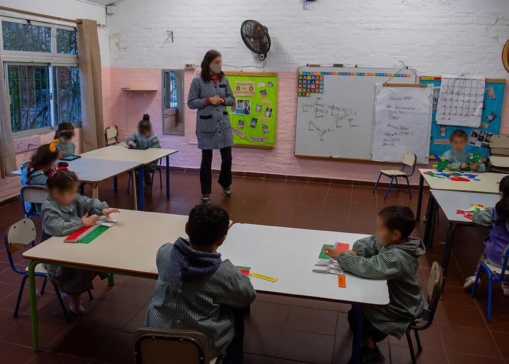 374739_Presencialidad en colegios durante la pandemia // Foto: AFP, imagen de referencia