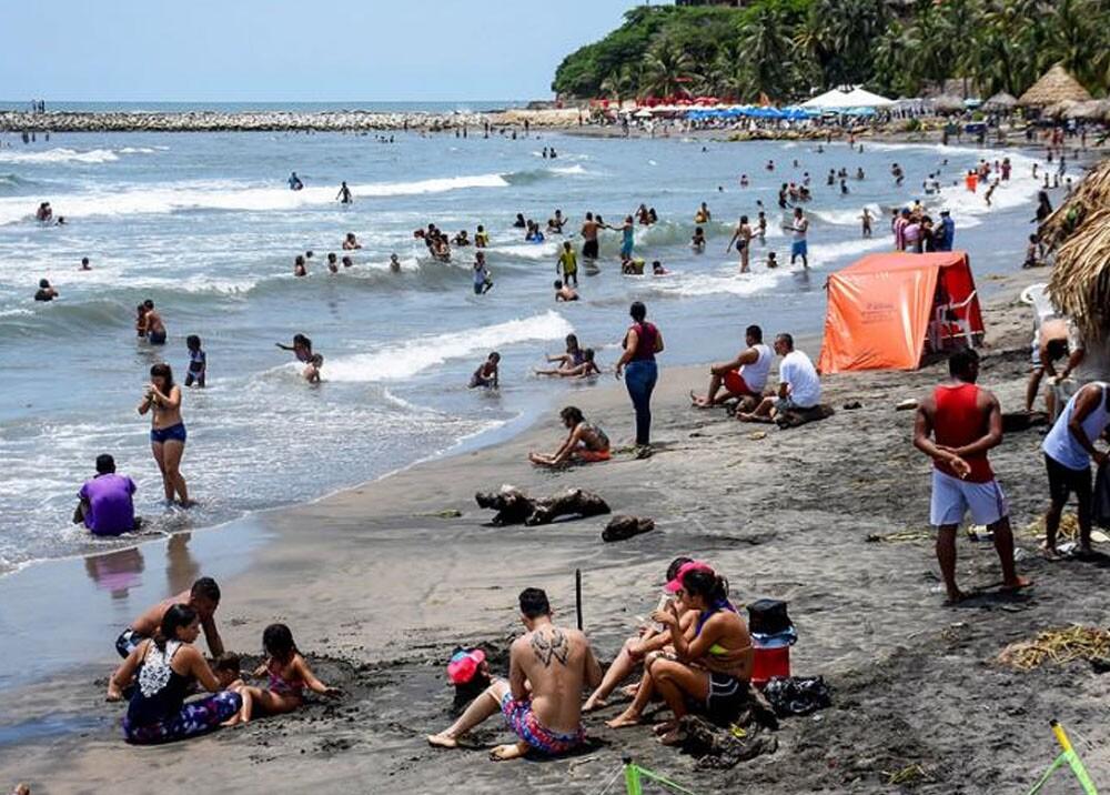 playas de puerto colombia durante la pandemia.jpg